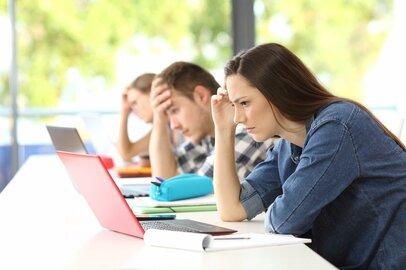 「感情の押し殺し」がコロナストレスを増長?解消法は