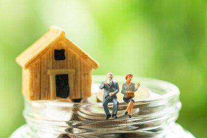 50代、60代、70代の平均貯蓄・負債は増えている? 減っている? 各年代の特徴を見る