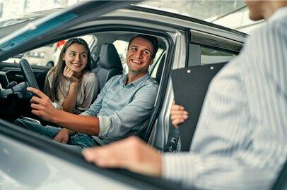 【車購入】商談に役立つ!ディーラー営業マンが喜ぶ言動5選