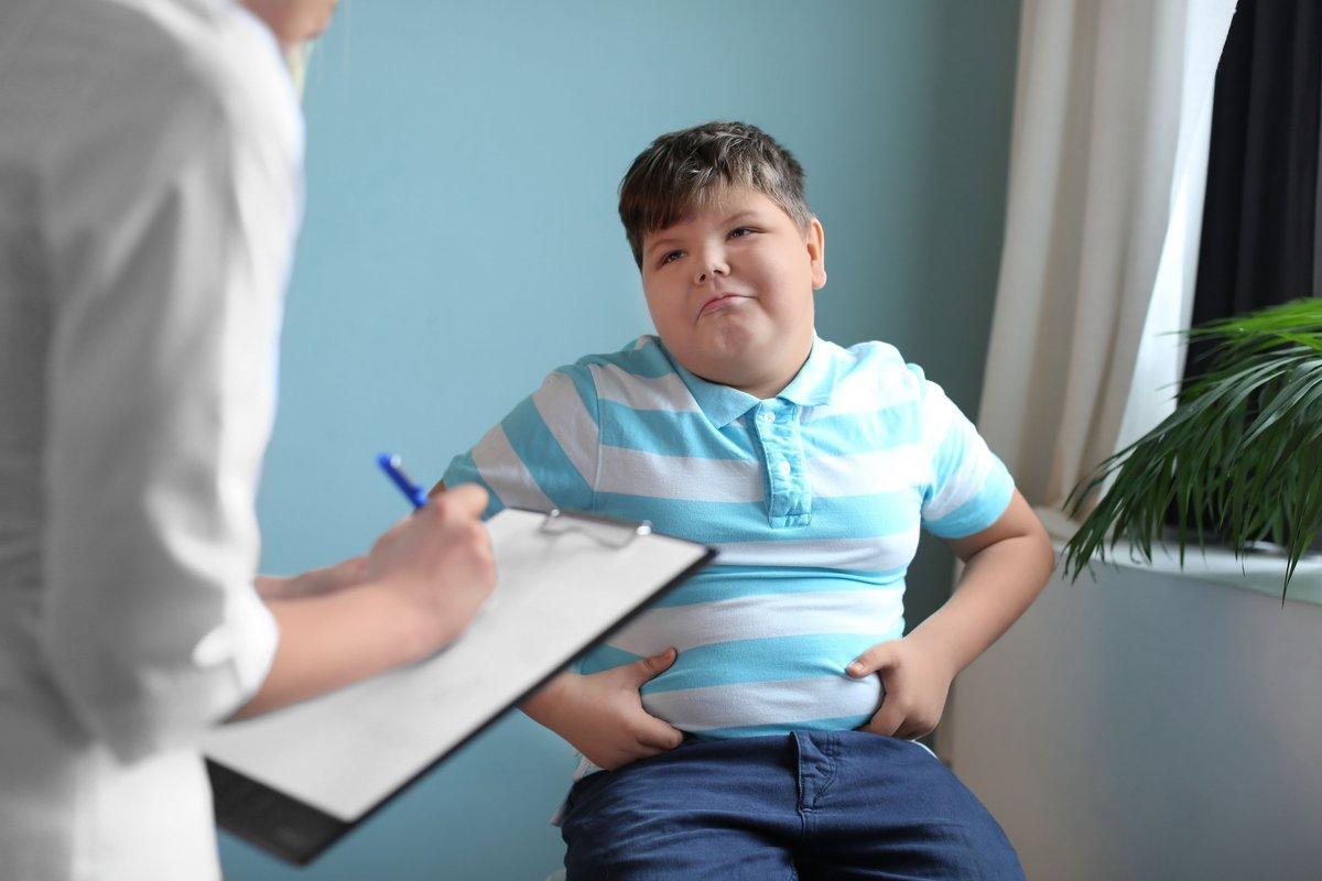 「コロナ自粛の副作用」、子供と高齢者の健康悪化に要注意