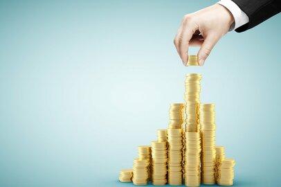 「貯蓄3000万円」達成している世帯、年収はどれくらい?