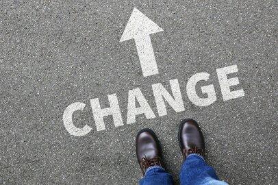 人材不足の今がチャンス!年収を上げるための3つの転職のコツ