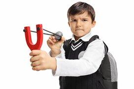 「よその子だけど注意する!?」常識はずれな行動の子供にイラっとしたら?