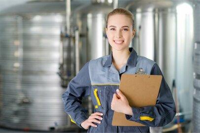 女性の金属検査工の給料はどのくらいか