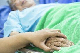 終末期医療と胃ろうの問題。本人・家族が知っておくべきべき3つのこと