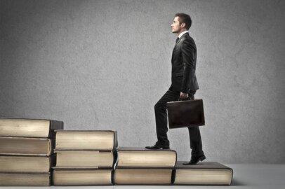 一橋大学・商学部の学生が就職する上位企業ランキング
