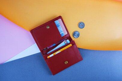30代、40代が愛用する「二つ折り財布」人気ブランド4選。財布ミニ化に需要