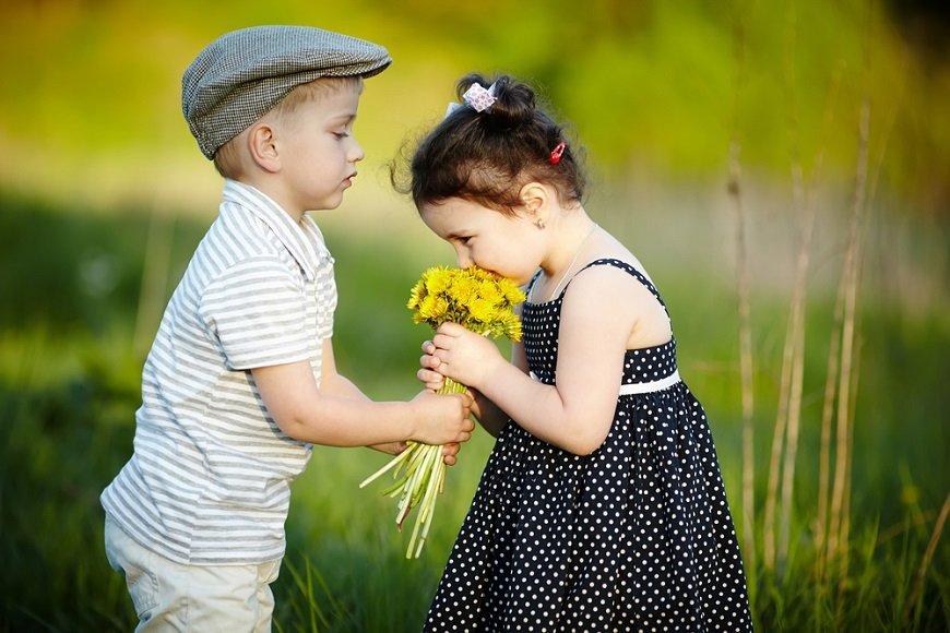初恋の平均年齢はいくつ? 子どもたちの小さな恋にほのぼの