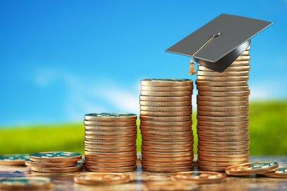 大学進学の家計負担は増す一方。私大の平均授業料は9年連続で過去最高更新