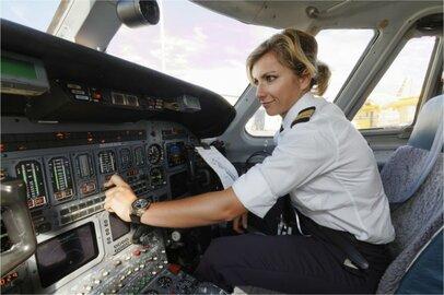 女性の航空機操縦士の給料はどのくらいか