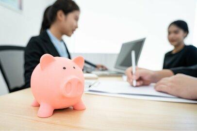 企業で働く女性の年金額って、いくら?
