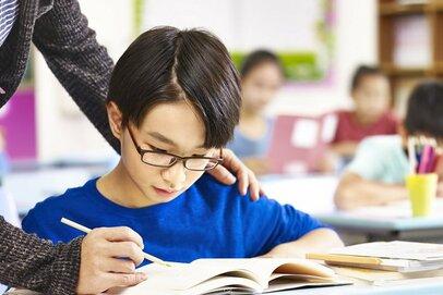 元塾講師がすすめる塾選び 「お母さんは昔、塾で成績上がりました?」