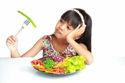 子どもがご飯を食べてくれない…みんな無理に食べさせてるの?