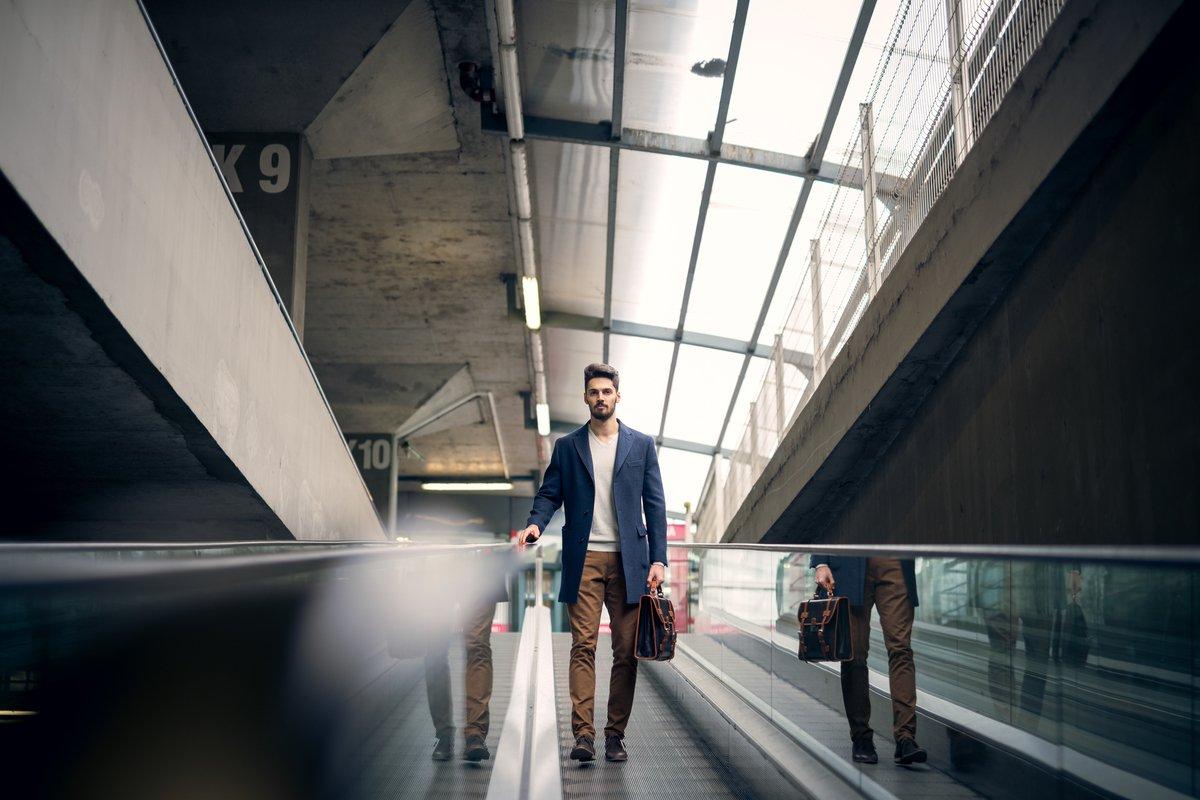 ビジネスマンは「ブランドバッグ」を持つべき3つの理由