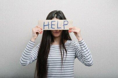 1人で背負いこんで苦しむのはなぜ? 大人だからこそ必要な「人に頼る勇気」