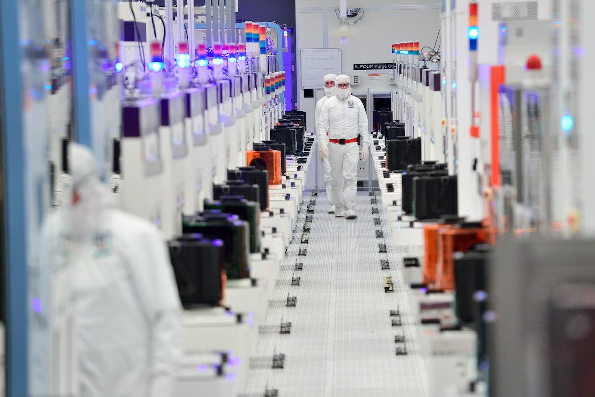 インテルの7nm投資のナゾ、正体は「ディスクリートGPU」
