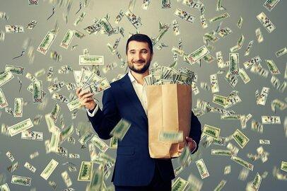 電子マネーで予算管理が最強かも…?貯められる男性に学ぶ、上手な「お金の使い方」