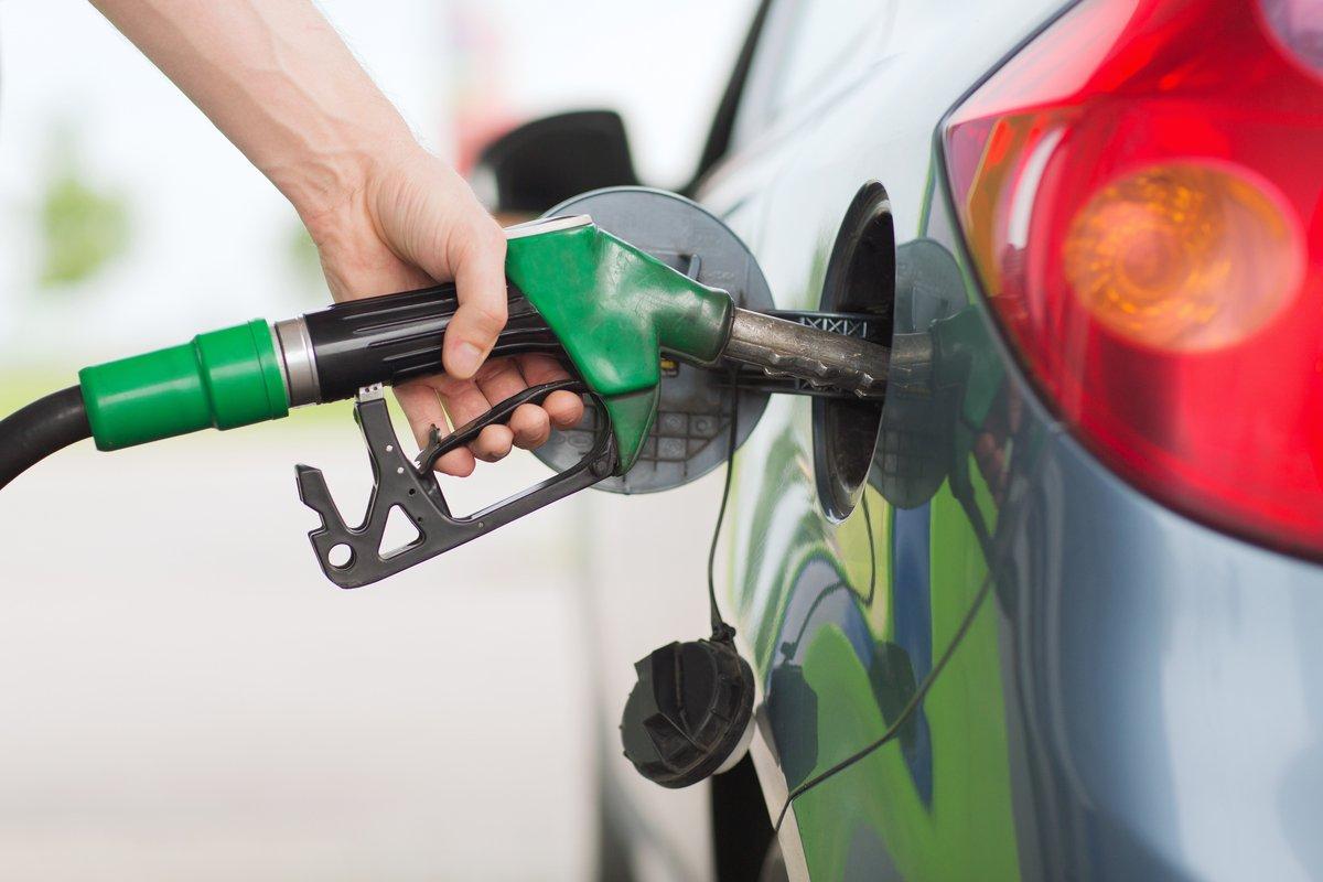 ガソリンを入れるタイミングと量、ベストは?