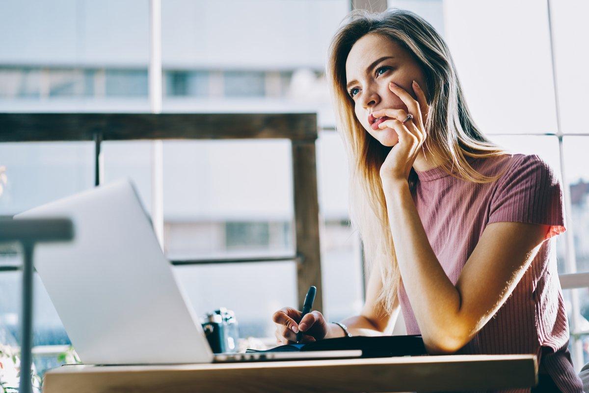 厚生年金、女性は「月10万円未満」が約50%。男女差はどれくらい?