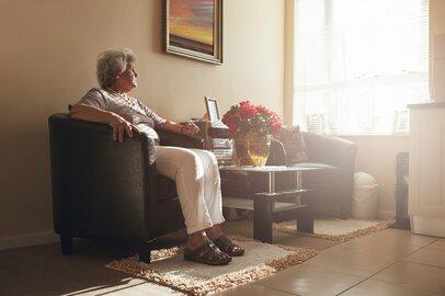 「一生涯おひとりさま」と決めた女性の覚悟。金銭感覚に老後資金…今から準備すべきこと