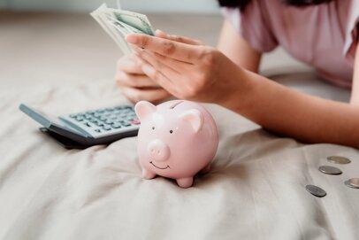 赤字を黒字に!家計と負債を見直し、貯金できる状態へと導く方法