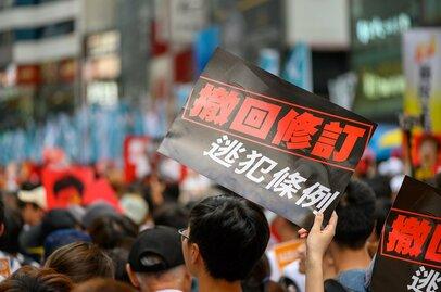 香港「逃亡犯条例」改正、状況緊迫の背景から中国の思惑、経済的影響まで