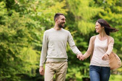 日本人の平日1日あたりの夫婦時間は1時間!? 多忙な共働き夫婦がすれ違わないために