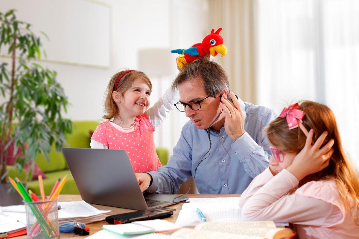 みんなの外出自粛中テレワークの実態。自宅でも集中して働ける?