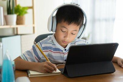 オンライン学習を利用している家庭は何割? 使わない家庭の理由は何か