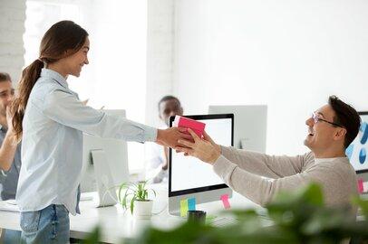 職場でバレンタインを活かすには?「あげる側」「もらう側」知っておきたいマナー