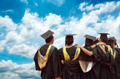 大学に進学したら教育費はいくらかかる? 私立と国立の授業料を見てみる