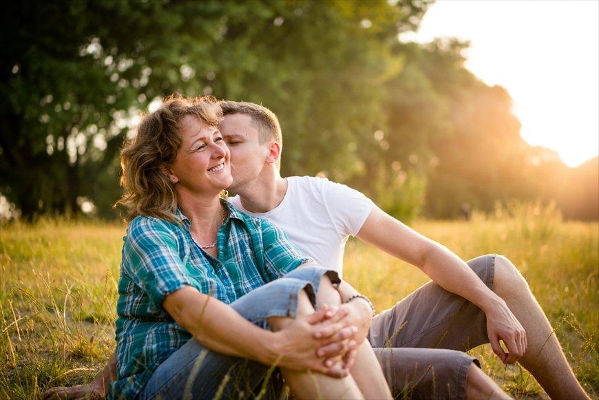 SNS上を賑わす「ママ活」は新しい男女交際の形なの?