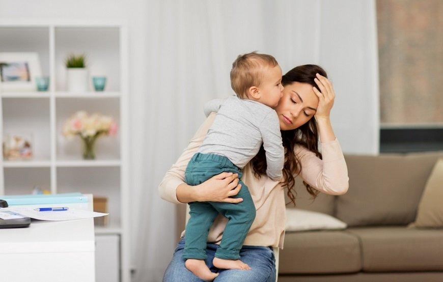 ワンオペ育児の「孤独」と「密室性」が引き起こす3つの問題