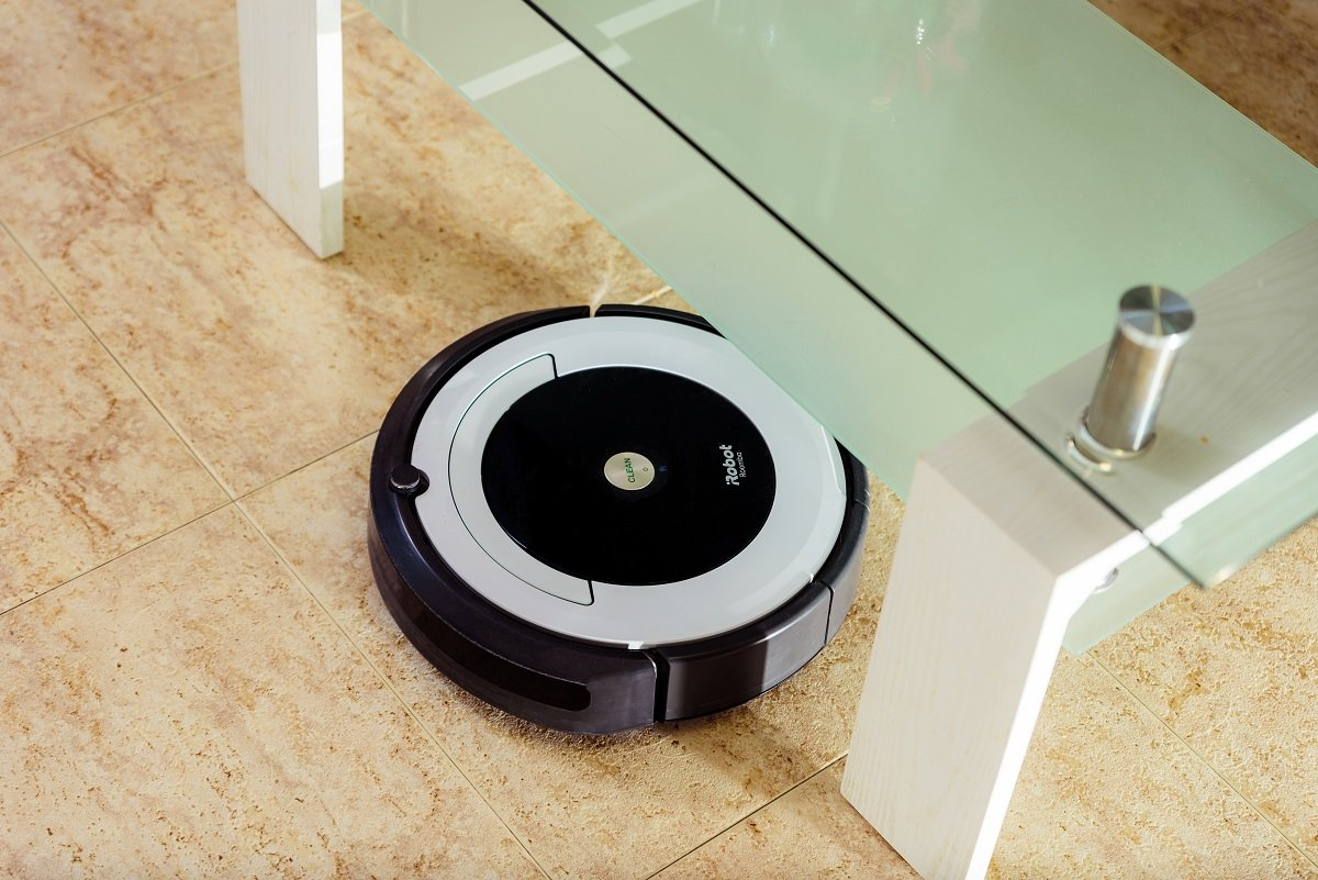 掃除が苦手なあまり、ついにロボット掃除機を購入。その意外な効果は?