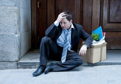 「終身雇用が崩壊で収入はゼロに!?」個人で稼ぐために今できること