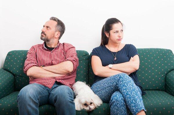 夫と妻、それぞれが感じている夫婦ゲンカの原因トップ3