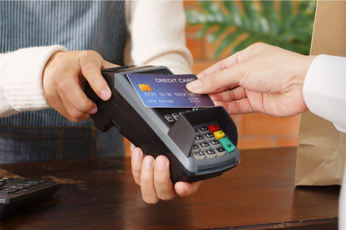 みんな使ってる?「デビットカード」の利用率はいくらか