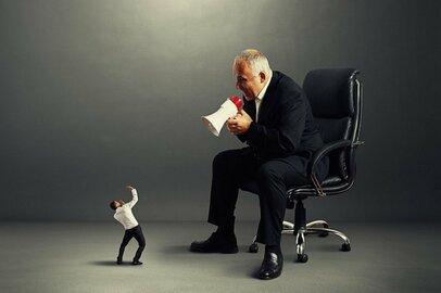 課長の半数以上は部下の仕事に不満。上司の微妙な心情が明らかに