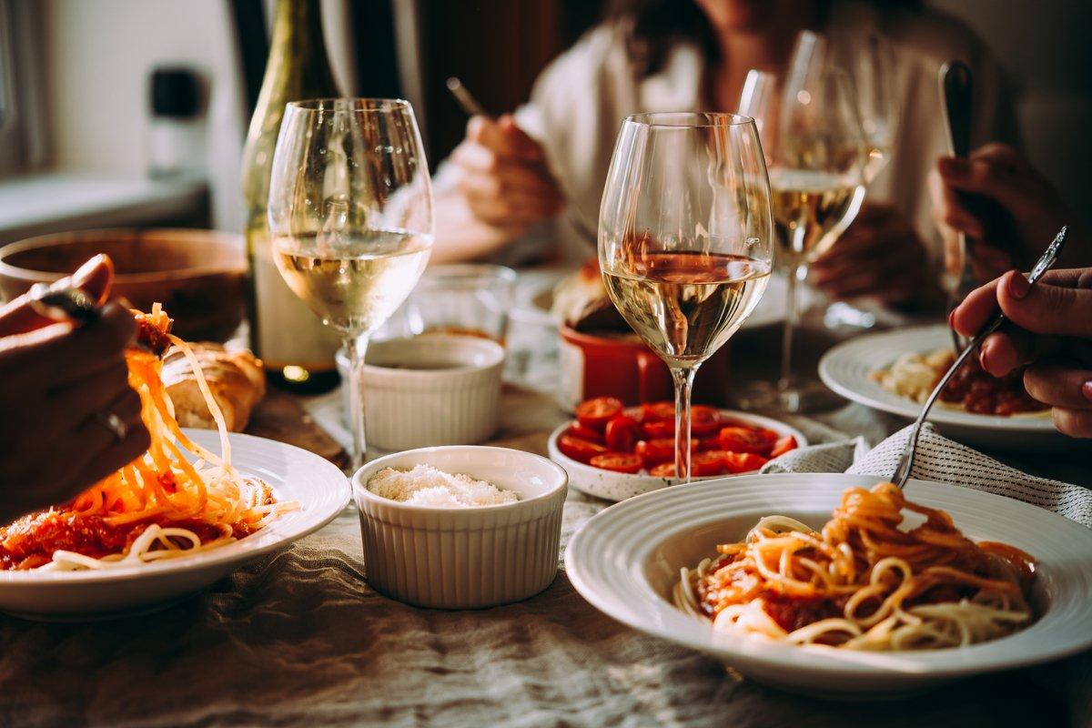 緊急事態宣言解除後の「食に関するお金事情」…外食の頻度はどれくらいになる?