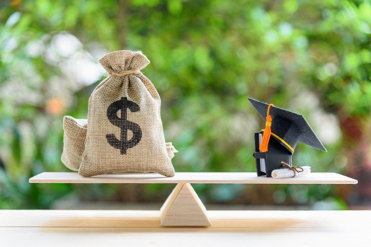 大学院生 3人に1人以上が「借金」 300万円以上が約半数に みんなの意見は?
