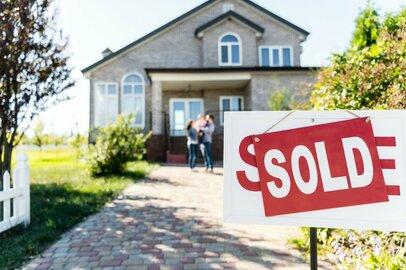 コロナ禍でも売れる「家」や「高級車」~中間層でいま何が起きているのか~
