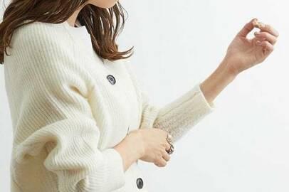 人気はやっぱり白。真冬の買い足しニットはセールで賢くGET!