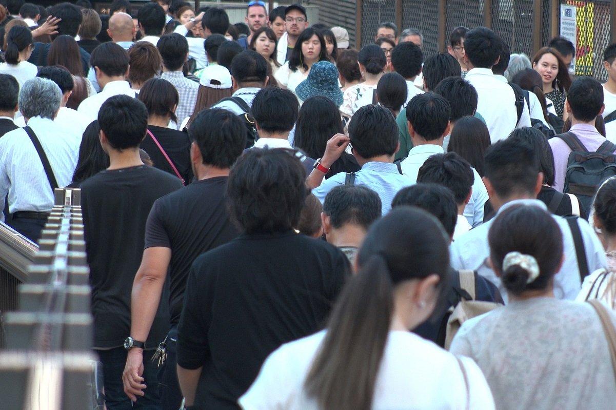 早期退職が増加の一途。日本は人手不足なのか? 人あまりなのか?