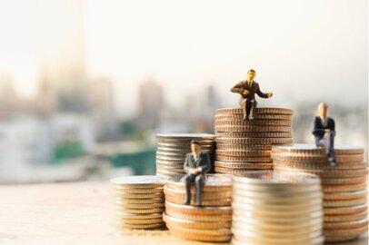 最新調査データに見る世代別「お金持ち」のお金の中身