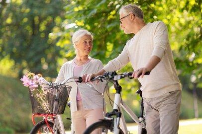 8割以上が「老後が不安」と回答!老後のためにまずやるべきこと