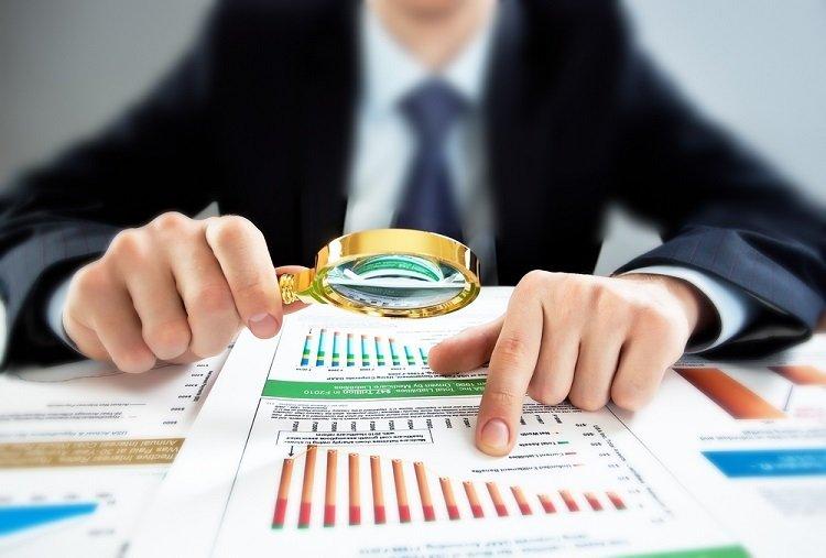 株で儲けるために取るべき資格はどれですか?