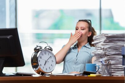 労働時間の定義とは?休憩、休日は法律で定められている