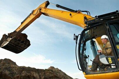 建設機械運転工の給料はどのくらいか