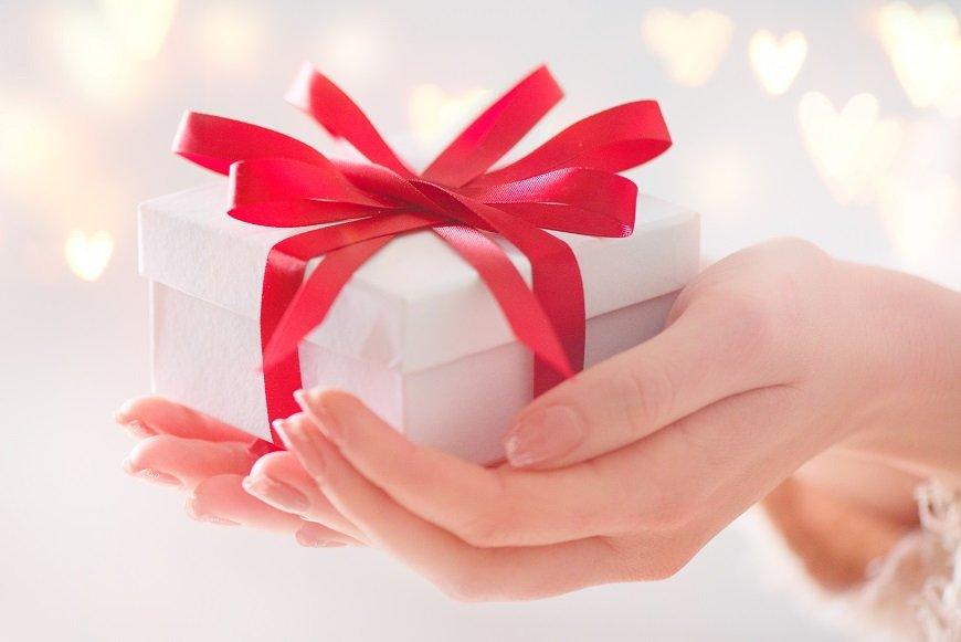 夫にバレンタインのチョコ、あげる? プレゼントと愛情の関係