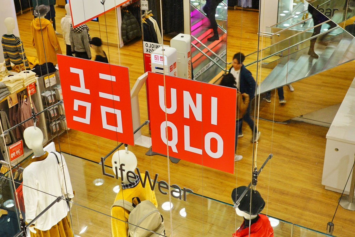 """人権か、商売か。ユニクロに見る欧米と日本企業の""""間接的""""経済摩擦の影響"""